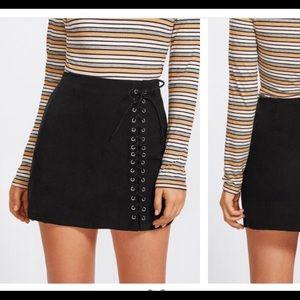 Lace up ROMWE skirt